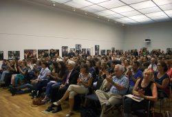 Applaus für die Helfer der Ernst-Grube-Halle. Foto: Alexander Böhm