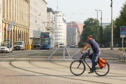 Augustusplatz/Goethestraße: An sichere Radwegeführungen wurde hier nicht gedacht. Foto: Ralf Julke