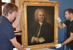 Bach-Porträt im Alten Rathaus erhält eine neue Verglasung. Foto: Stadtgeschichtliches Museum Leipzig