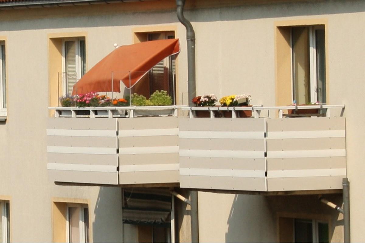 Sonnige Balkone in Connewitz. Foto: Ralf Julke