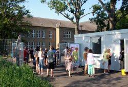 Besucheranstrom in der Friederikenstraße 37 zum Tag der offenen Tür. Foto: Alexander Böhm