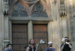 """Als Marching Band spielten die """"Cakewalkin' Babies"""" vor dem Eintreffen der Legida-Demonstranten Foto: Sebastian Beyer"""