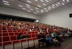 Circa 500 Personen kamen ins Audimax. Foto: Alexander Böhm