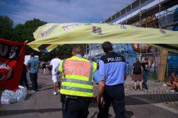 Die Polizei war von Anfang an bei den Verhandlungen dabei. Foto: Alexander Böhm