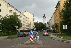 Von Neubauten aus der DDR-Zeit geprägt: Elsterstraße im Kolonnadenviertel. Foto: Ralf Julke
