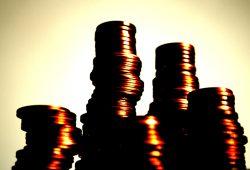 Die Steuermilliarden wachsen - doch wie viel davon landet in dunklen Kanälen? Foto: Ralf Julke