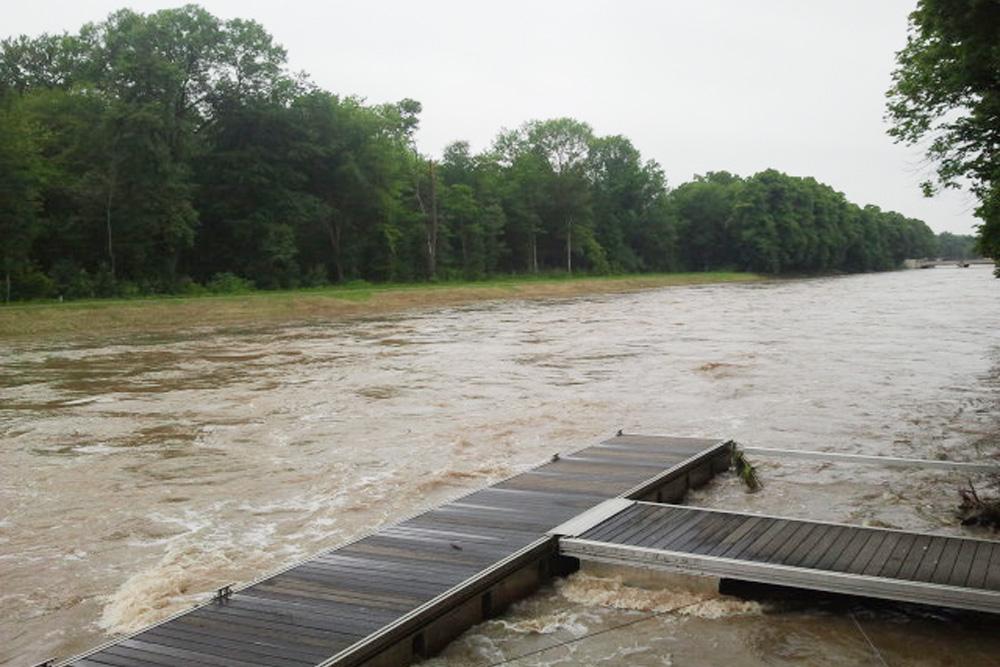 Hochwasser 2013 am Leipziger Elsterbecken. Foto: Marko Hofmann
