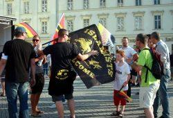 Legidisten gegen den Islam. Armes Kind. Foto: L-IZ.de