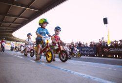 Fast 600 Kinder waren auf der Leipziger Radrennbahn am Start. Foto: Florian Pappert