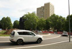 Der 2014 neu gebaute Kreisel in der Karl-Tauchnitz-Straße. Foto: Ralf Julke