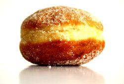 Pfannkuchen als Werbeversprechen: Die Mitte ist süß .... Foto: Ralf Julke