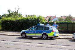 Polizei hielt sich mit Beamten zurück. Foto: Alexander Böhm