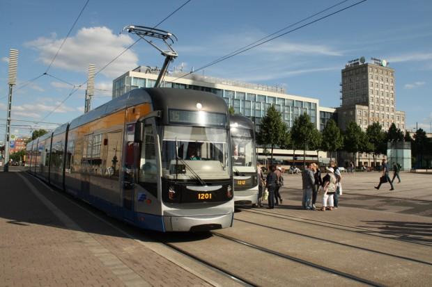 Die XXL-Bahnen der LVB sind klimatisiert. Foto: Ralf Julke