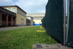 Zaun an der Ernst-Grube-Halle. Foto: Alexander Böhm