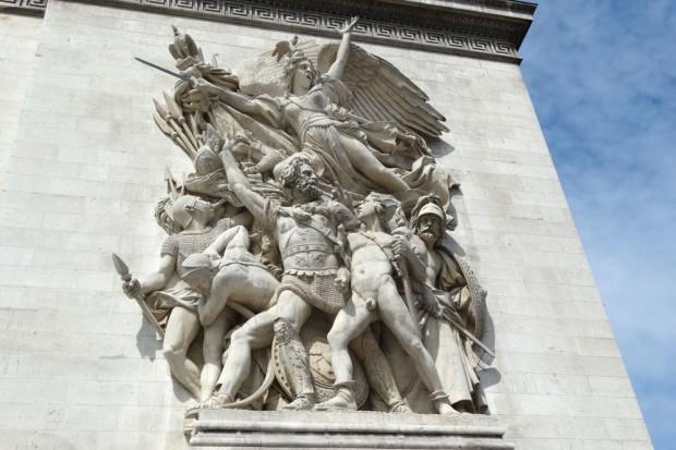 """Das Relief """"Der Auszug der Freiwilligen 1792 – La Marseillaise"""" am Triumphbogen. Foto: Patrick Kulow"""