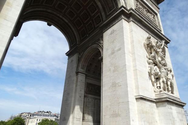 Eine Menge Pariser Triumphbogen, direkt vor uns. Foto: Patrick Kulow