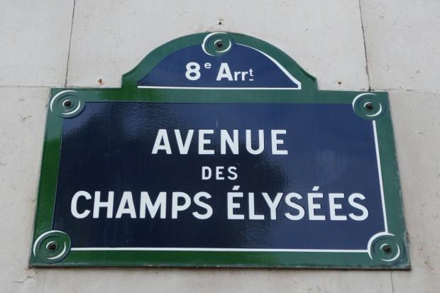 """Pariser Straßenschild: die """"Avenue des Champs-Elysées"""". Foto: Patrick Kulow"""