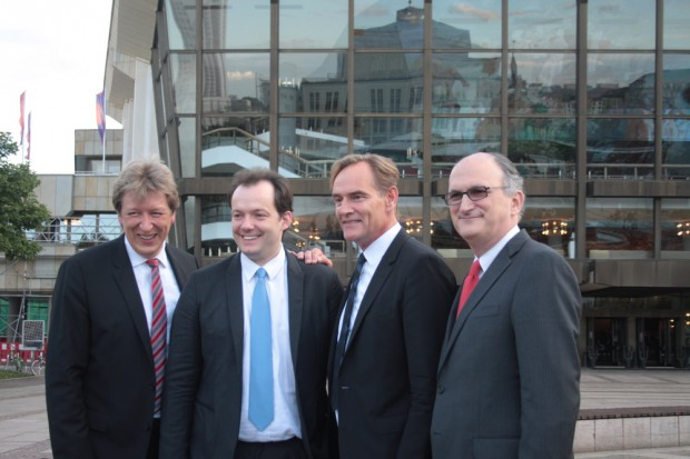 Andreas Schulz, Andris Nelsons, Burkhard Jung und Mark Volpe (v.l.n.r). Foto: Alexander Böhm