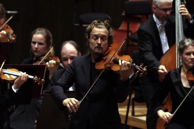 Christian Tetzlaff an der Violine. Foto: Alexander Böhm