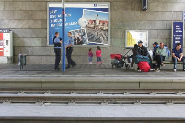 Geflüchtete Kinder interessieren sich für das Stadtmarketing. Foto: René Loch