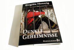 Birgitta Hennig: Dunkle Geheimnisse. Foto: Ralf Julke
