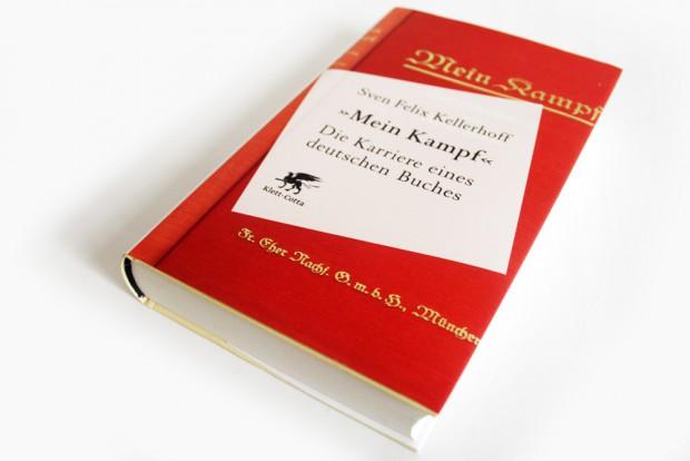 """Sven Felix Kellerhoff: """"Mein Kampf"""". Die Karriere eines deutschen Buches. Foto: Ralf Julke"""
