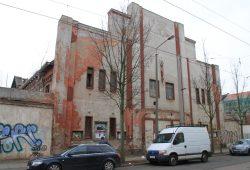 Frontansicht des ehemaligen Kinos Fortuna von der Eisenbahnstraße aus. Foto: Thomas Grahl