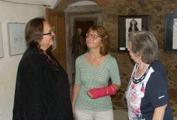 Wie machen Sie das? Neugierige Besucher erkunden sich bei Marlis Knoblauch nach Details und Tricks. Foto: Karsten Pietsch