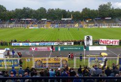 Der Nachwuchs des 1. FC Lok bezog im wahrsten Sinne des Wortes Position. Foto: Marko Hofmann