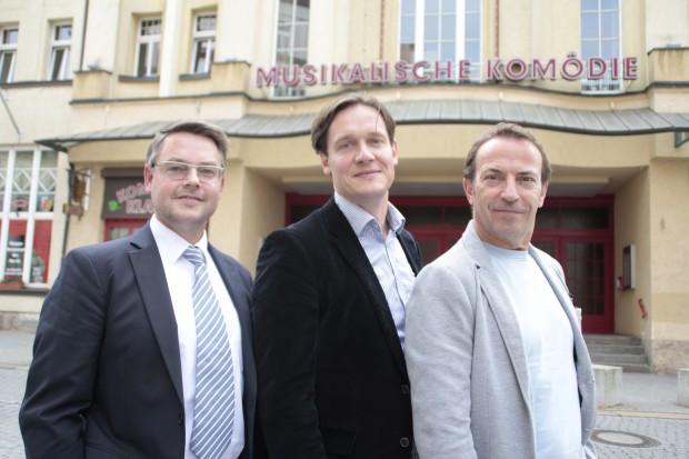 Torsten Rose, Stefan Klingele und Cusch Jung (v.l.) leiten künftig die Musikalische Komödie. Foto: Martin Schöler