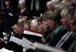Mitsingen statt Zuhören hieß es beim Chorkonzert im Gewandhaus. Foto: Alexander Böhm