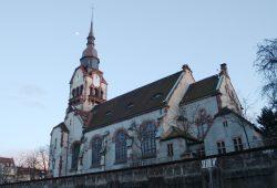 Die Paul Gehardt Kirche von Nordwesten. Foto: Ralf Julke