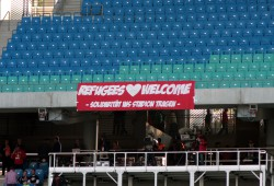 Refugees Welcome im Zetralstadiom. Foto: Alexander Böhm