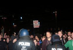 Verpisst Euch nach Dresden ihr Stimmungsflüchtlinge. Die Gegenproteste sind in Leipzig mal wieder in der Überzahl. Foto: L-IZ.de