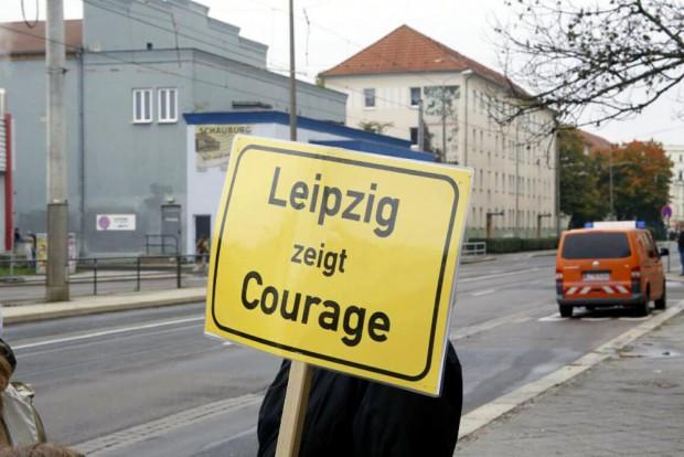 14:27 Uhr: Leipzig zeigt Courage am Adler. Foto: L-IZ.de