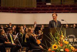 Prof. Gesine Grande, Rektorin der HTWK Leipzig, bei der Begrüßung der neu immatrikulierten Studenden. Foto: Alexander Klich/HTWK Leipzig