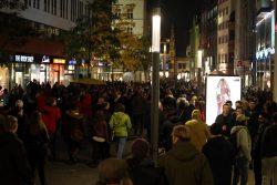 Nach dem LIchtfest gings für die meisten durch die Innenstadt. Foto: L-IZ.de