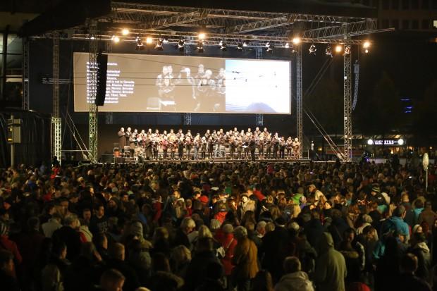 Der Chor des Gewandhauses im Mittelpunkt des Geschehens. Foto: L-IZ.de