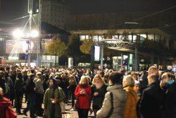 Eine Stunde Erinnern auf dem Augustusplatz am 9. Oktober 2015. Foto: L-IZ.de