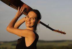 Singer-Song-Abenteurerin Natszo. Foto: Markus Hainbach