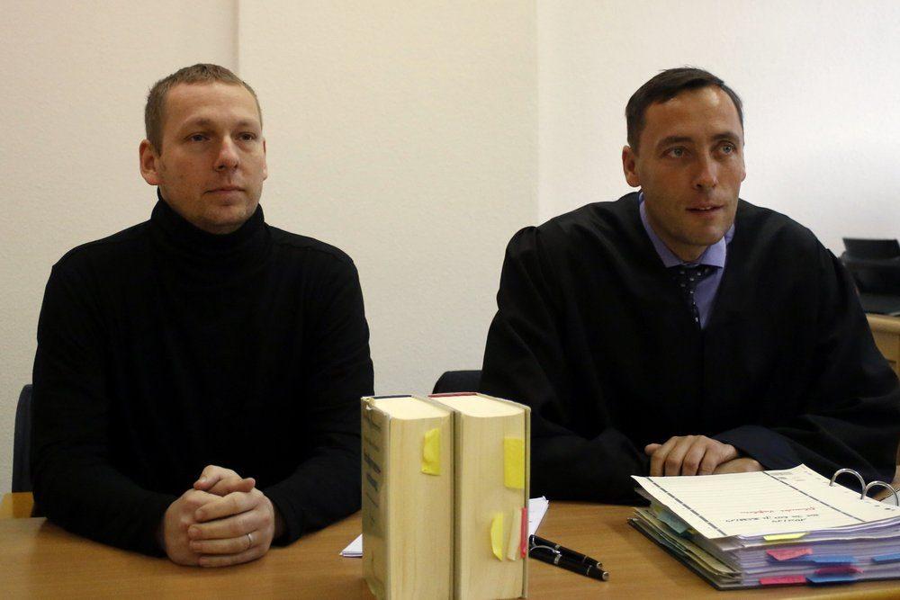 NPD-Stadtrat Enrico Böhm (links) mit Strafverteidiger Mario Thomas (rechts). Foto: Alexander Böhm