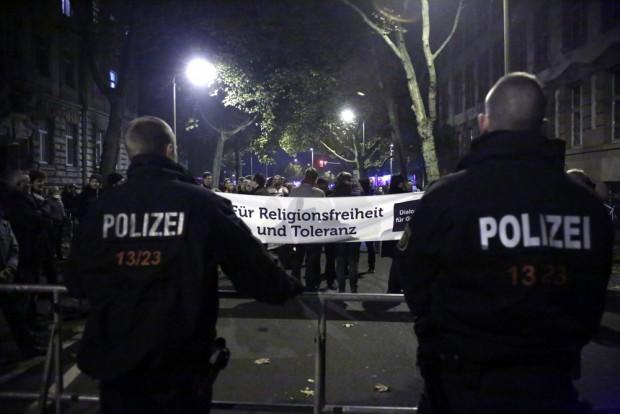 Nur eine von mehreren angemeldeten Gegendemonstrationen. Foto: L-IZ.de