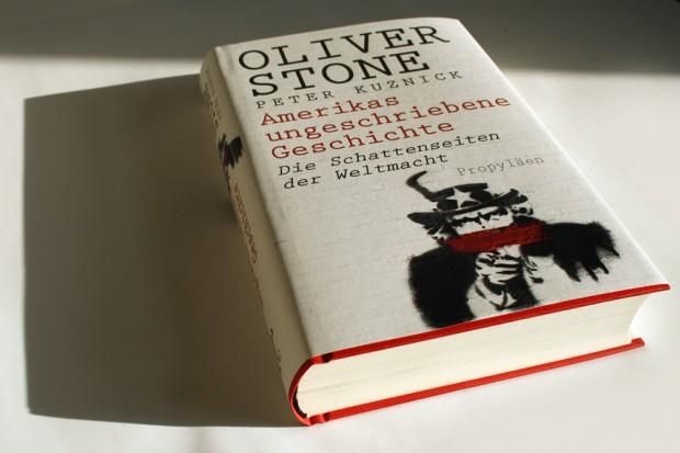 Oliver Stone, Peter Kuznick: Amerikas ungeschriebene Geschichte. Foto: Ralf Julke