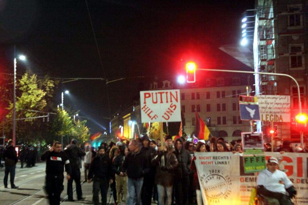Putin hilf uns ...? Na manche würden sich aber wundern, wie die Hilfe aussähe. Foto: L-IZ.de