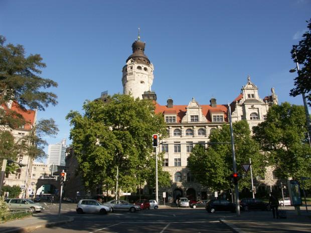 Keine Burg ohne Turm: der Turm des Neuen Rathauses. Foto: Karsten Pietsch
