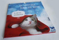 Heike Wendler: Auf Samtpfoten durch den Advent. Foto: Ralf Julke