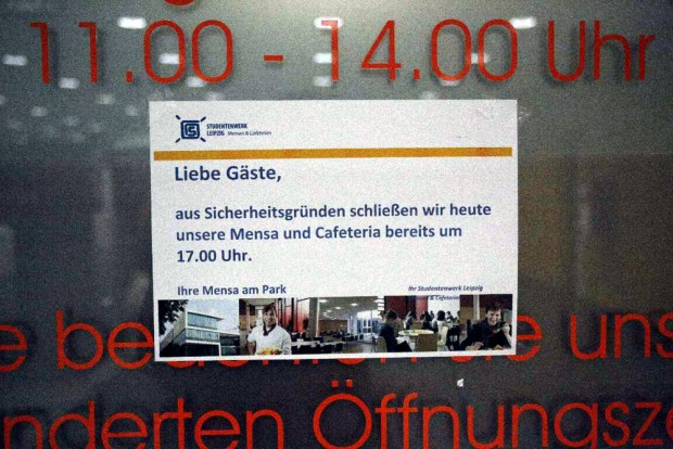 17:45 Uhr: Die Mensa an der Uni ist aus Sicherheitsgründe geschlossen. Foto: L-IZ.de