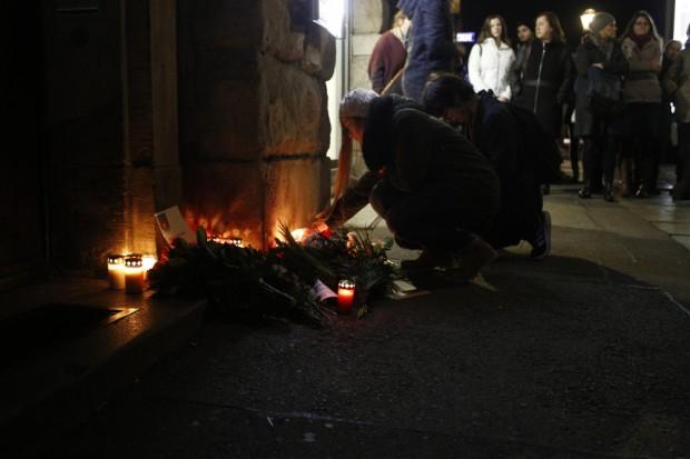 Anteilnahme für die Opfer der Anschläge von Paris. Foto: Alexander Böhm
