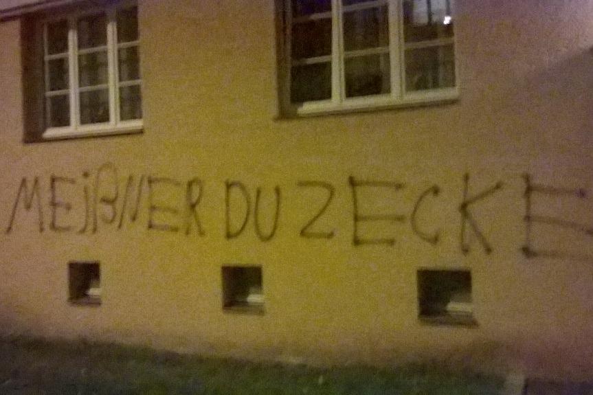 Die Angreifer hinterließen keine Zweifel an ihrer Gesinnung. Foto: Martin Meißner