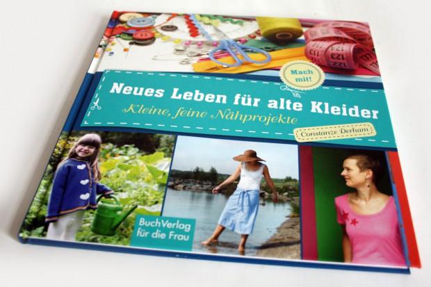Constanze Derham: Neues Leben für alte Kleider. Foto: Ralf Julke